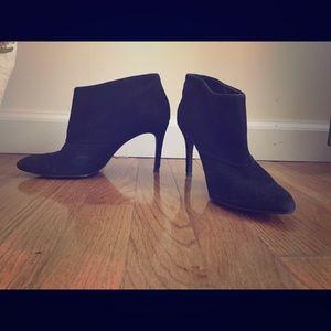 Zara heeled ankle booties black size 7